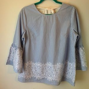 Crown & Ivy bell sleeved lace top